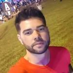 por Leandro