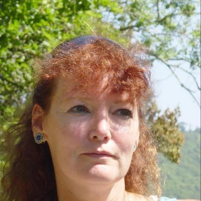 Lisa Gerard-Sharp