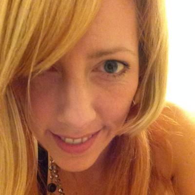Angela Holm