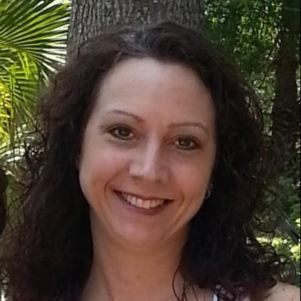 Headshot of MakeUseOf Writer, Sandy Writtenhouse