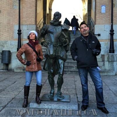 Amalia & Eric at Move to Traveling