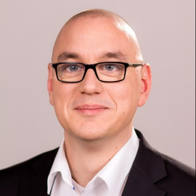 Dr. Sebastian Tramp