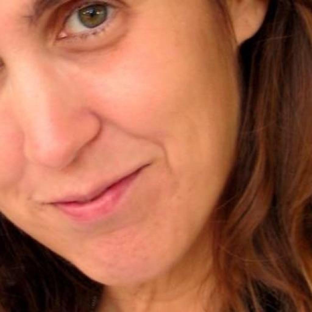 Headshot of MakeUseOf Writer, Sara Morgan