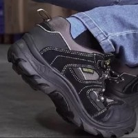 รองเท้าเซฟตี้ ยี่ห้อไหนดี ?