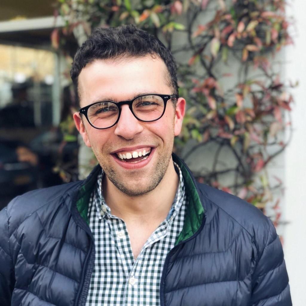 Headshot of MakeUseOf Writer, Francesco D'Alessio