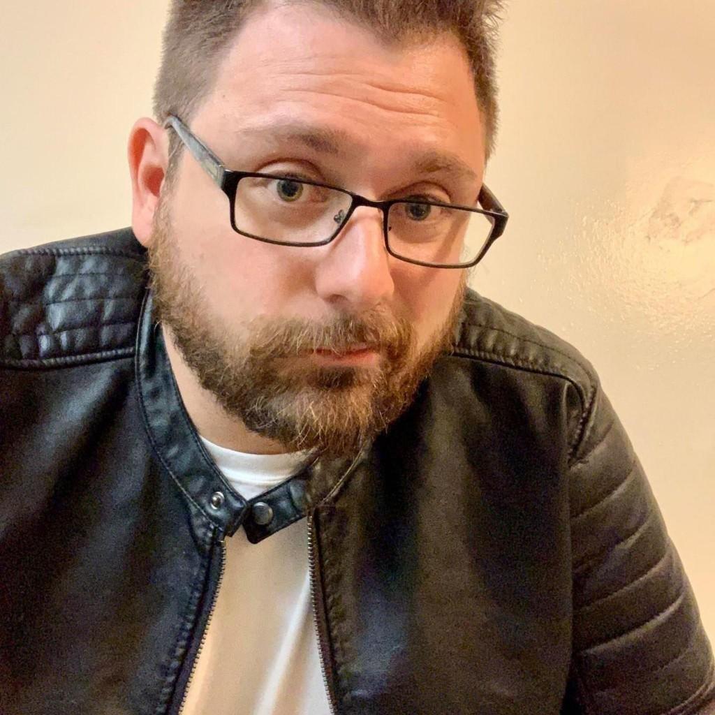 Headshot of MakeUseOf Writer, Dave LeClair
